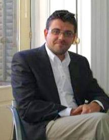 Carlos Fenández Atiénzar: Especialista en Psiquiatría.