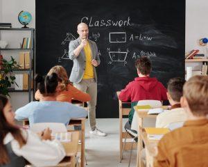Lo escolar en la adolescencia